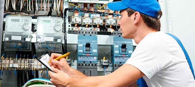 Image Électricien artisan électricien : quelles compétences ? | guide artisan